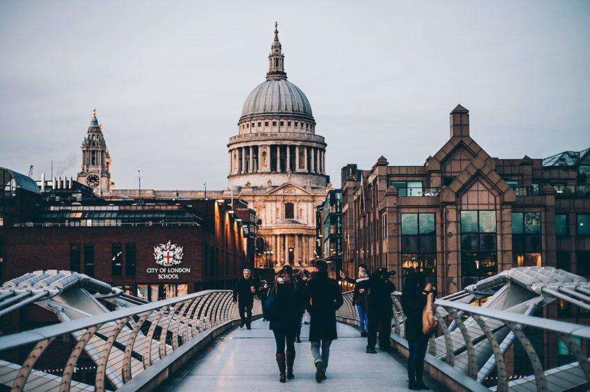 People on London walking tours