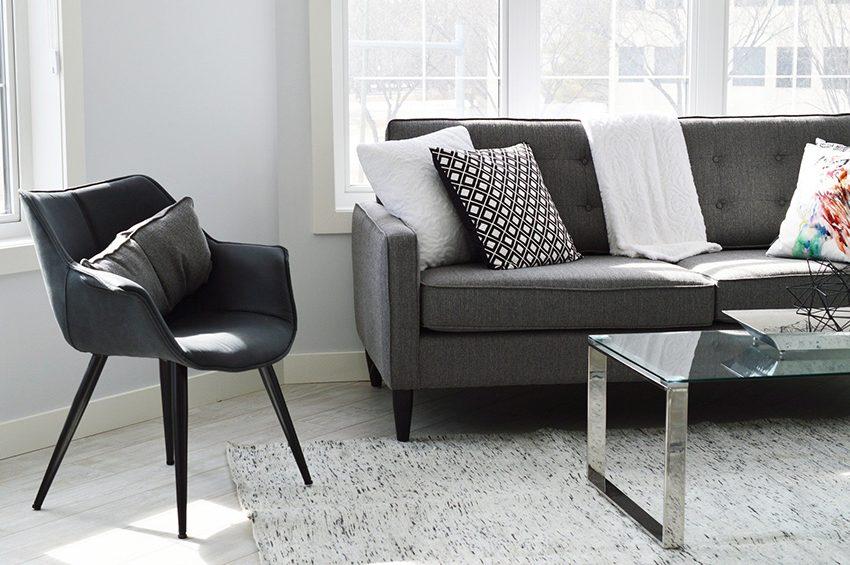 flat living room: freehold vs leasehold?