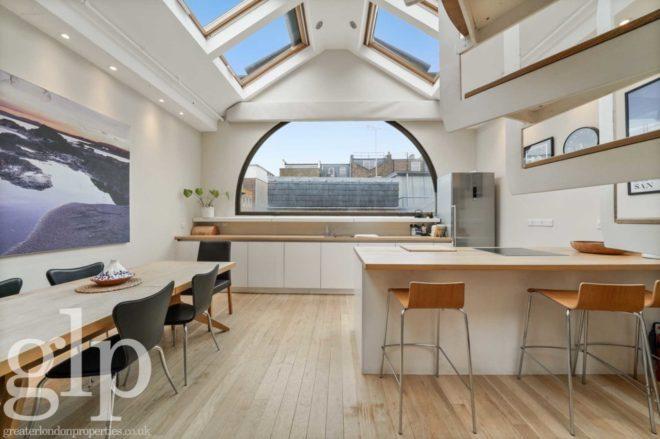 7027 1 660x439, Greater London Properties